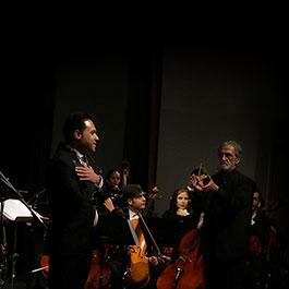 وحید تاج با ارکستر ملی روی صحنه رفت
